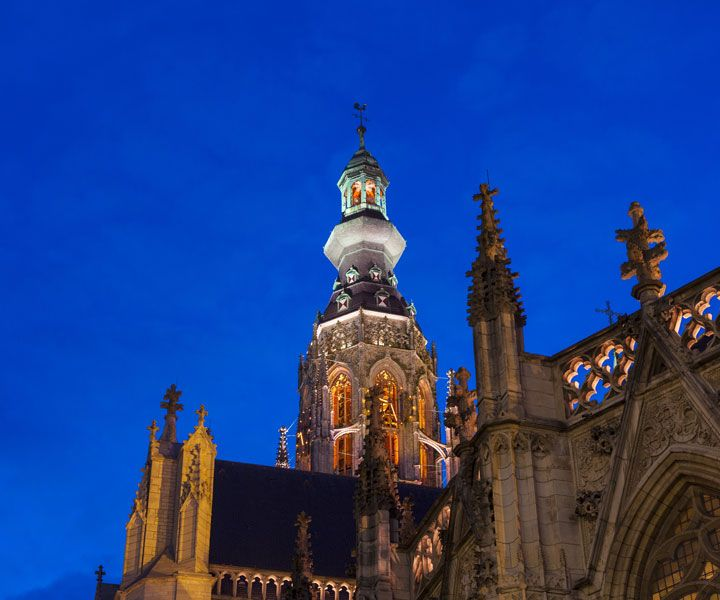 Light-as-a-service-grote-kerk-breda.jpg